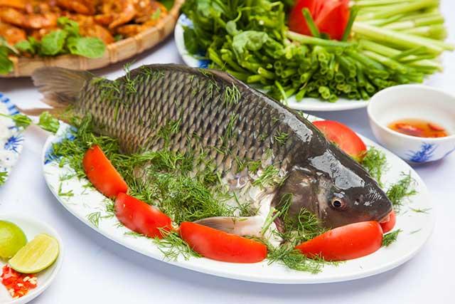 cách nấu lẩu cá chép giòn không tanh
