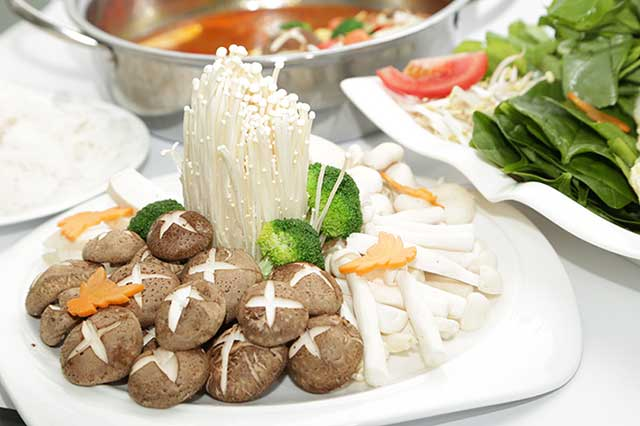 Cách nấu lẩu nấm chay - chuẩn bị nguyên liệu