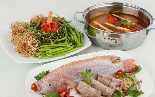 cách nấu lẩu cá diêu hồng nấu thái trình bày hấp dẫn