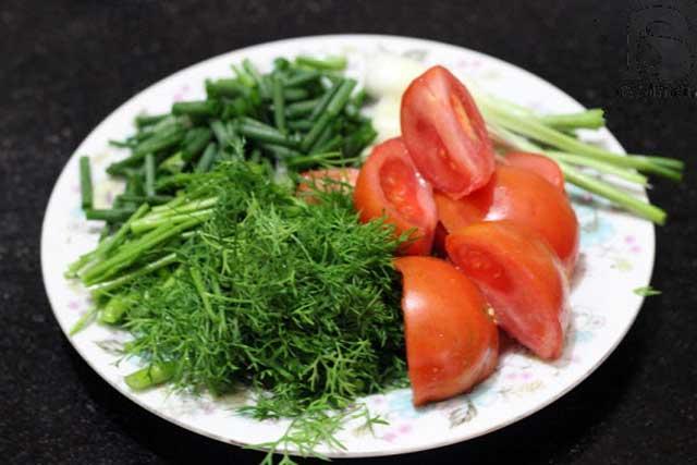 Sơ chế rau và cà chua