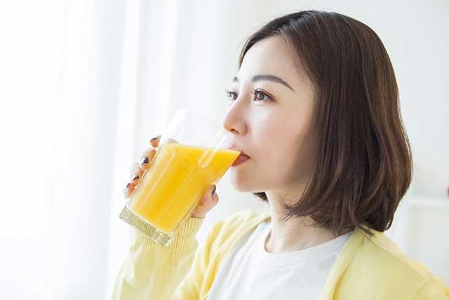 Uống tinh bột nghệ mật ong có tác dụng gì ?