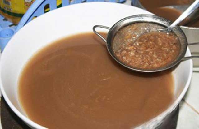 lọc nước thịt cua - cách nấu canh cua đồng