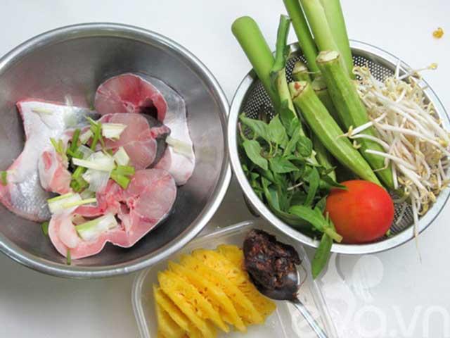 Nguyên liệu chuẩn bị cho món canh cá nấu dọc mùng