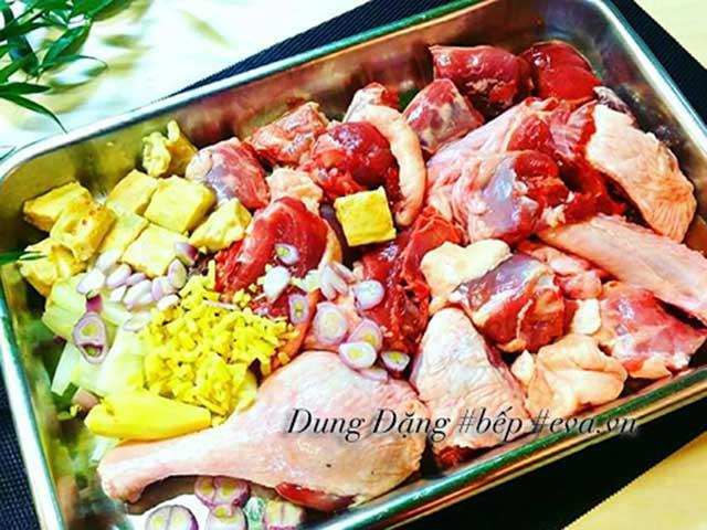Sơ chế nguyên liệu món Lẩu vịt nấu chao