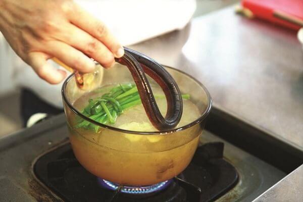Nấu cháo lươn không bị tanh