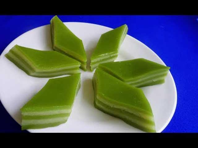 Trình bày món đậu xanh lá dứa