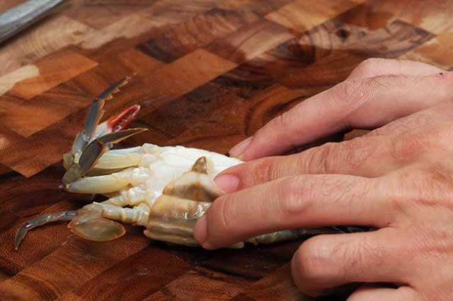 Cách sơ chế cua biển