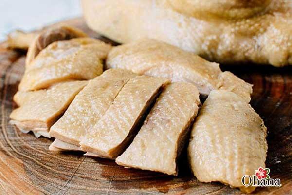 Thịt vịt sau khi luộc có màu sắc và hương vị thơm ngon