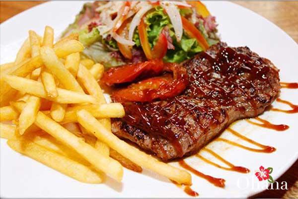 Hoàn thành món thịt bò bit tết