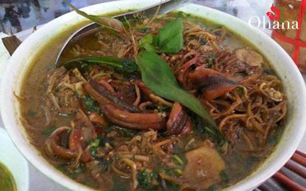 Món lươn om hoa chuối ngon