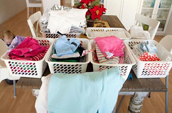 Cách phân loại quần áo để xếp vào balo gọn gàng