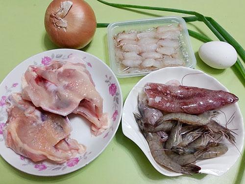 Nguyên liệu chuẩn bị cho món súp hải sản